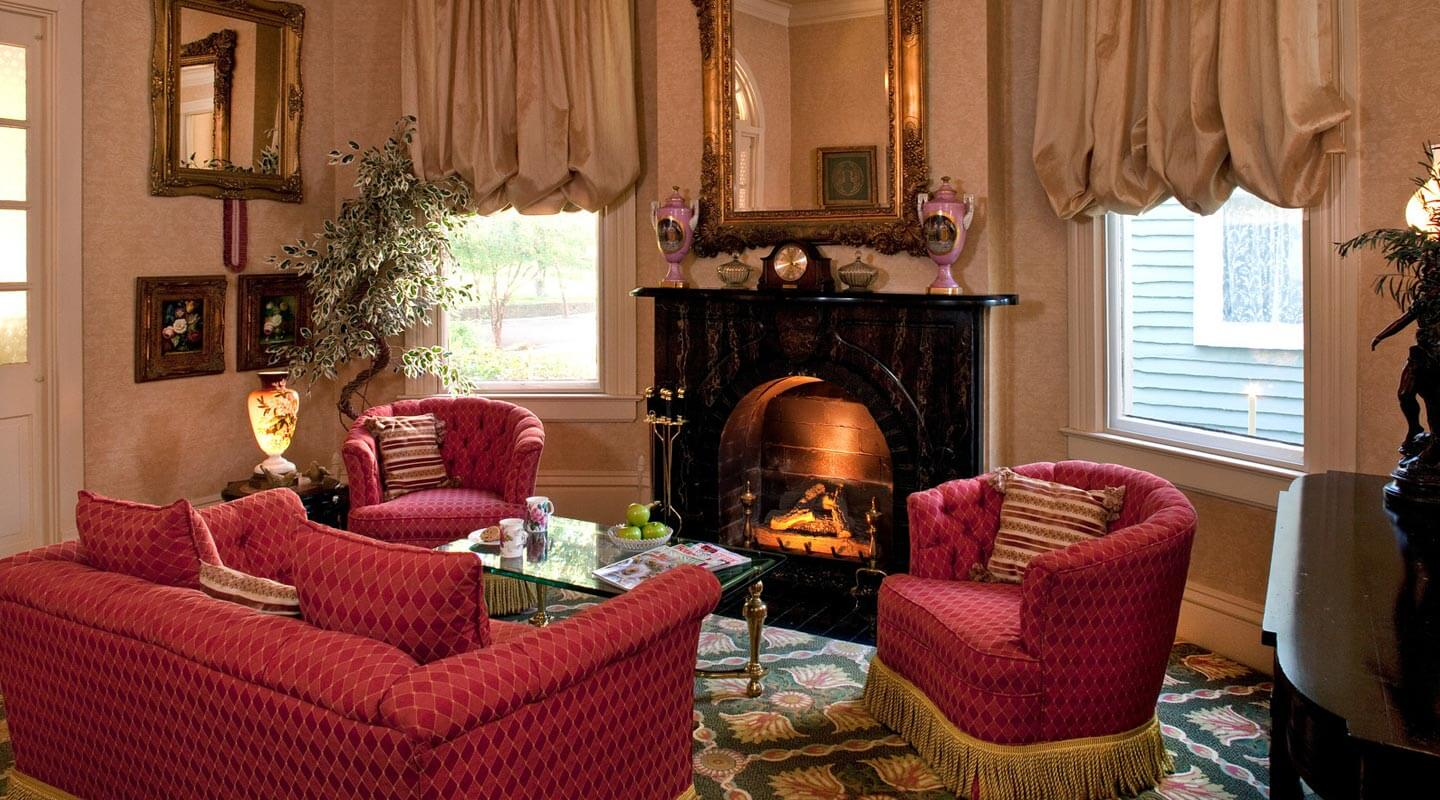 bed and breakfast in mississippi :: beautiful natchez inn