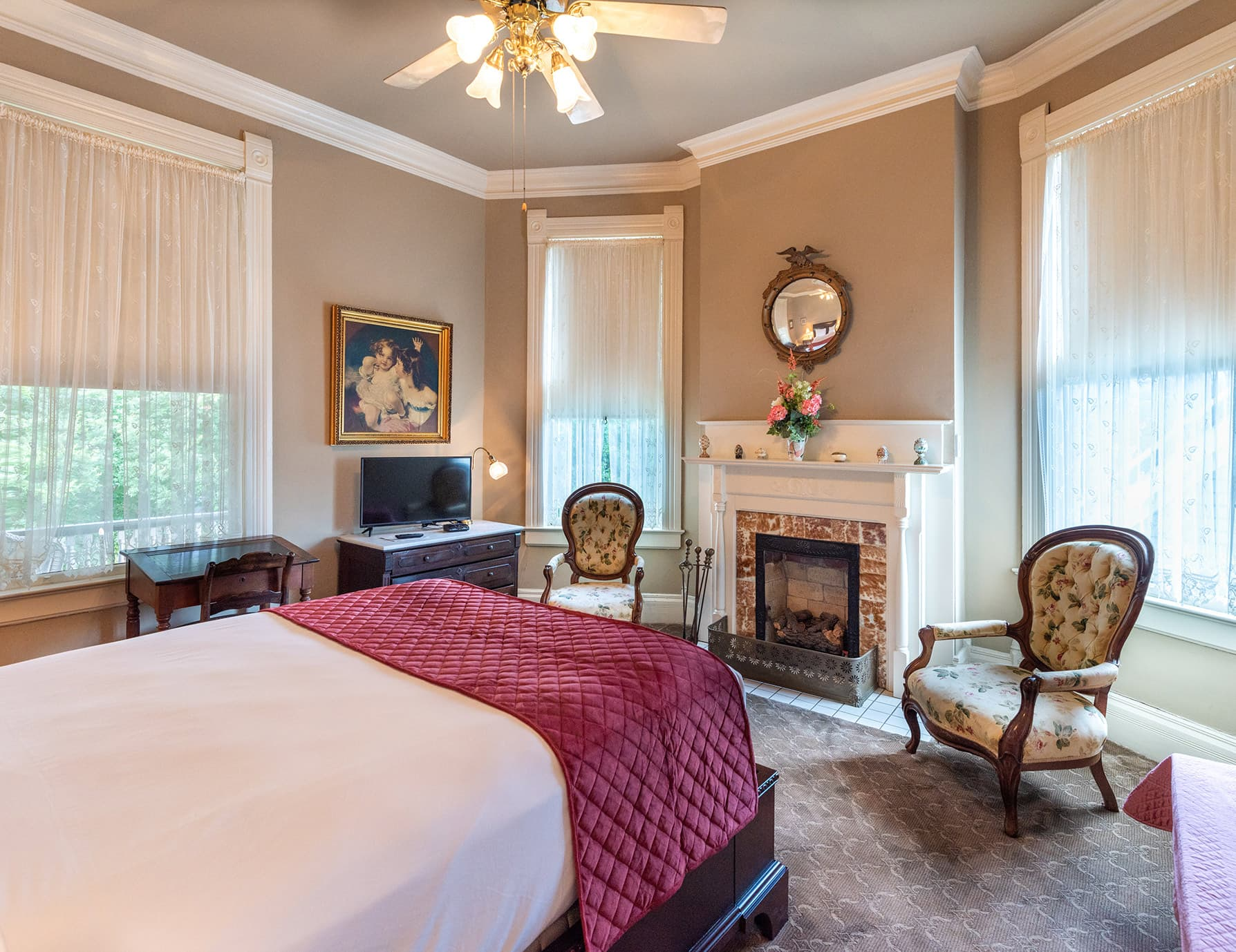 Gallery Suite at our Natchez MS inn