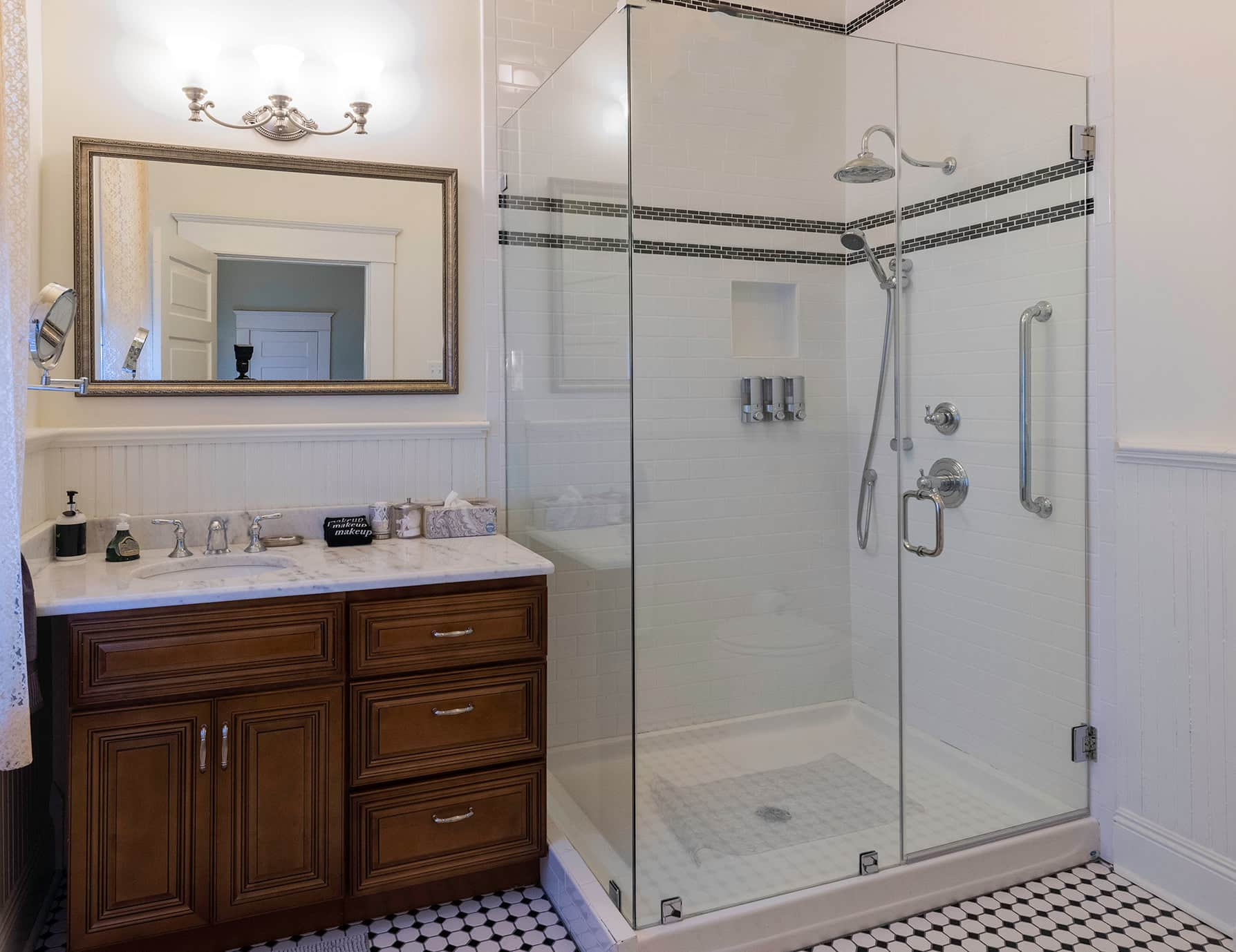 Robert Suite bathroom