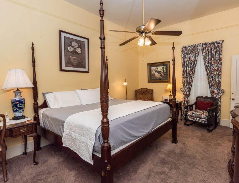 Victoria Suite king bedroom
