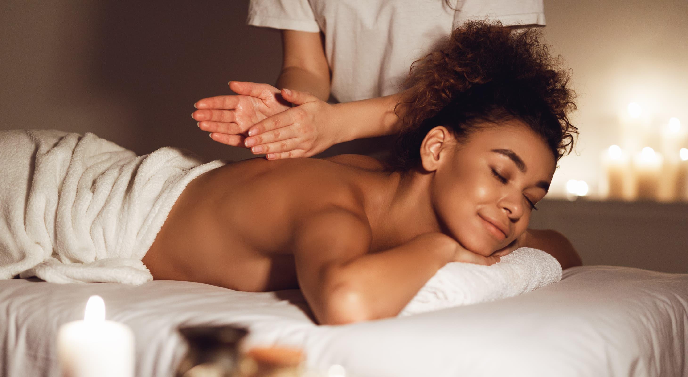 woman getting massage in natchez